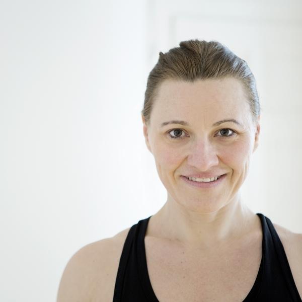 Sabine Edith Braun Perform